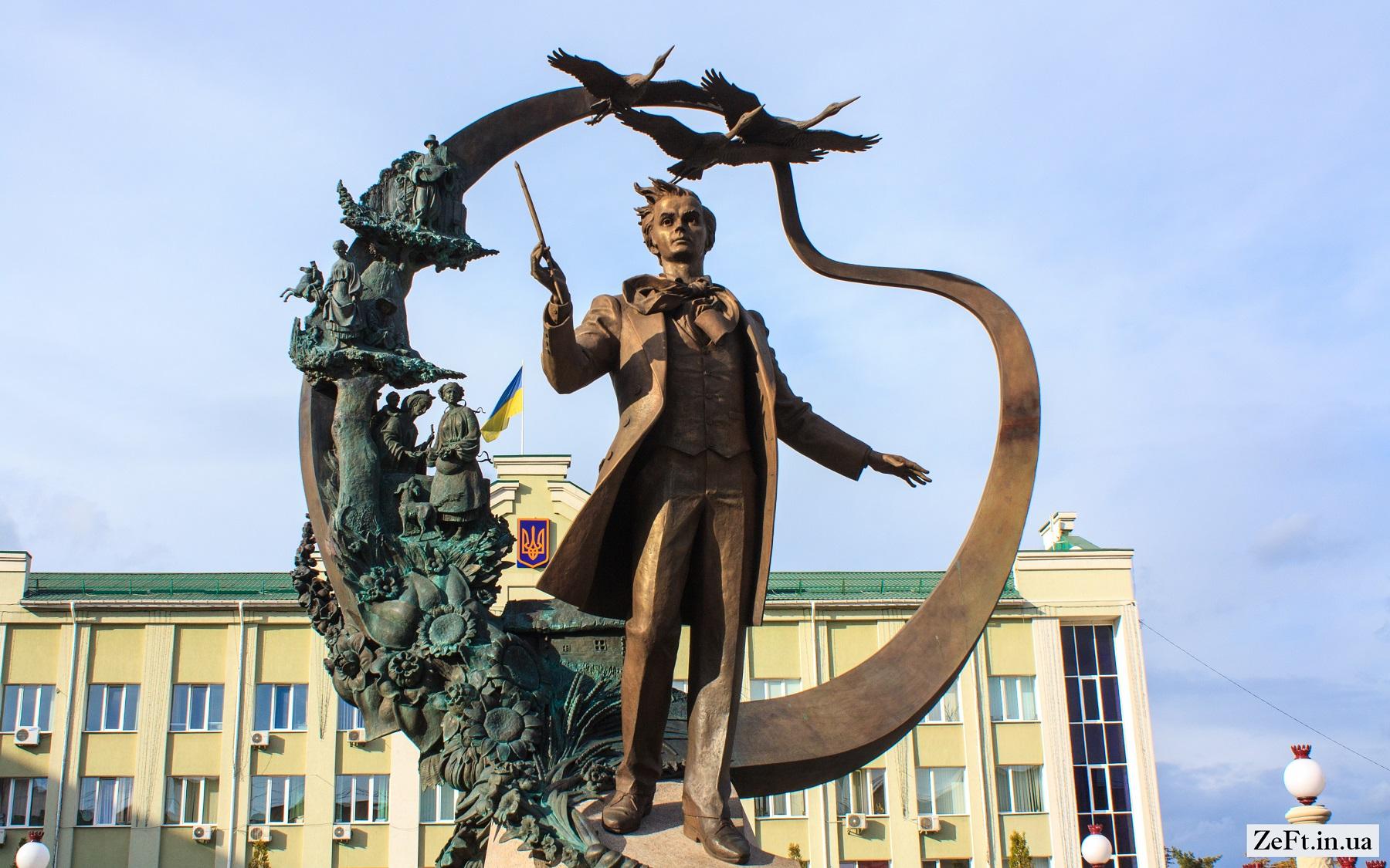 Pamyatnik-molodomu-Tarasu-Grigorovichu-SHevchenku-m.Irpin-2